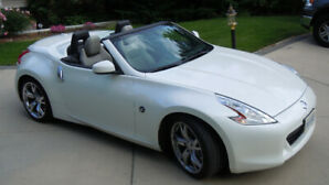 2011 NISSAN 370Z IN MINT CONDITION