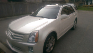 2007 Cadillac SRX 4 V8 Diamond White Edition