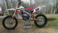 2014 YZ450F MOTOCROSS BIKE FOR SALE