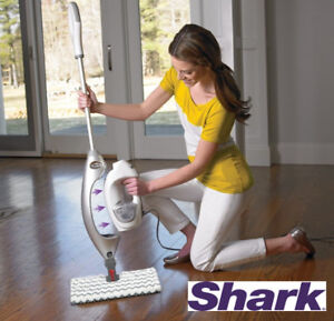NEW SHARK Lift-Away Professional Steam Pocket Mop