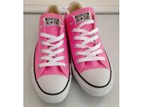 Pink converse Size UK 5 - spotless- worn once