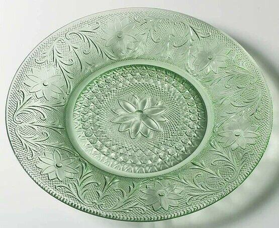 Tiara by Indiana Glass Chantilly Green Sandwich dinner plates
