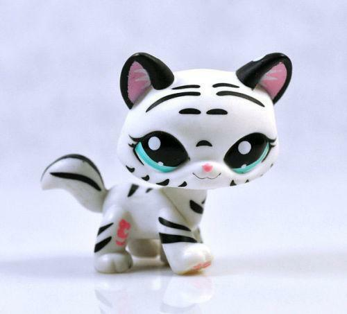 Lps Black And White Cats Set