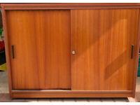 Floor cabinet with sliding doors