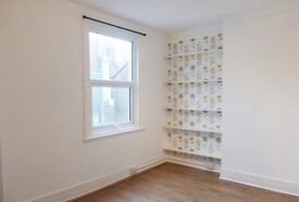 Short Term Studio Flat with Separate Kitchen and Shower Room