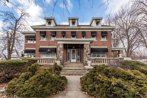 752 Front - LUXURY WATERFRONT - LASALLE REAL ESTATE