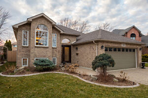 STUNNING HOME!! 559 RENDEZVOUS $349,000