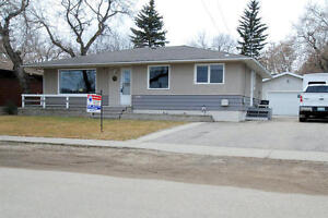 Updated 3 Bdrm Bungalow in Lumsden