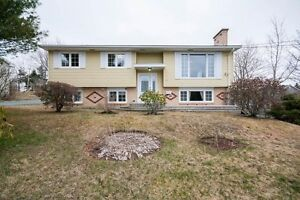 1 Greenwood Dr - Great Family Home, In-law Suite !