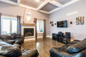 Gorgeous Amherstburg Home Minutes from Flox Glen Golf Course Windsor Region Ontario image 2