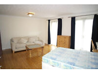 NEW MASSIVE ROOM IN CANARY WHARF !