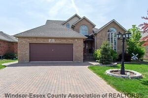 SOUTH WINDSOR BEAUTY WITH HIGH-END FINISHES- CALL WARREN RUTGERS