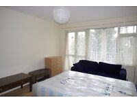 BIG and AFFORDABLE ROOM next to VAUXHAL !