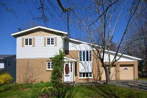 694 Lakeview Ave, Middle Sackville-Christine Pinsent