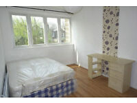 ROOMS AVAILABLE IN CANARY WHARF AREA
