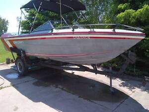 18 foot runabout with kicker plate and fish finder - REDUCED