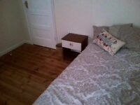 Single room in cb1 great location