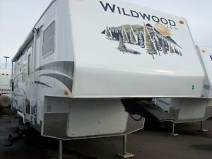 WILL MEET TO DELIVER TO EVACUEE-2009 Fifth Wheel-new condition