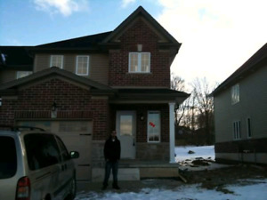 Spacious 3 bedroom End Unit Townhouse for Rent Jan 1st