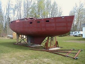 Bruce Roberts 388 Voyager steel hull