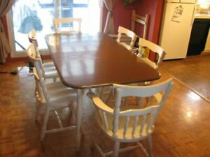 Antique Dining Room Table and Chairs - Country - Retro