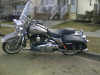 2007 HARLEY ROAD KING; 2nd OWNER; NEVER DROPPED; MINT; LOW KMs
