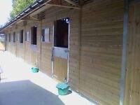 Weekend stable hand/Groom wanted