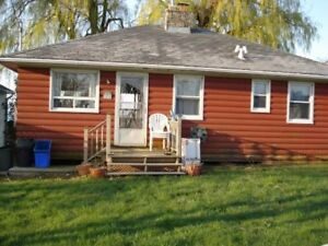 Cottage on the Lake (Port Dover)