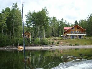 Custom built log home & cabin on crystal clear Tchesinkut Lake!