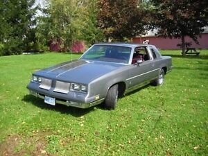 1986 Oldsmobile Cutlass Supreme Coupe (2 door)