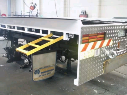 Truck cab , chassis and trailer resprays