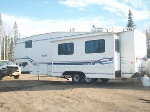 Former show 35' fifth wheel with 2 slides