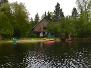 CozyCottages Lakefront Cottage for Rent | Chalet a louer