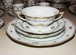 HEREND Coronation 4 pcs set with 2 Handled Soup Cream & Saucer