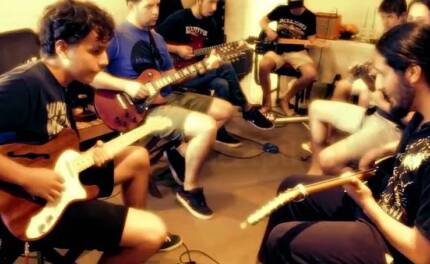 Rock guitar lessons / tutor / teacher