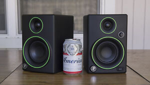 MACKIE CR3 STUDIO MONITORS FOR SALE! MINT CONDITION!