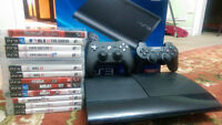 PlayStation 3 SuperSlim + 14 Games + 2 Controllers.