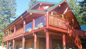 LOG HOME WITH SHUSWAP LAKEVIEW