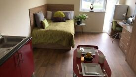 STUDENT ROOM TO RENT IN LIVERPOOL. STUDIO WITH 3/4 DOUBLE BED, PRIVATE BATHROOM, WARDROBE.