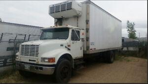1994 International 5 ton reefer truck