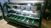 MEAT/DELI DISPLAY COOLER.CURVED GLASS 6/FT
