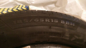 4 pneus / 4 tires - GT Radial Champiro VP1 (185 65 R15)