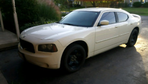 2010 dodge charger sxt low km trade for lifted truck