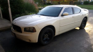 2010 DODGE CHARGER SXT ONLY!! 96000K