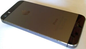 NEW PRICE!! MINT iPhone 5s, with Charger cable and Box, Grey, 16 London Ontario image 3