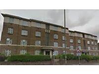 2 bedroom flat in Windsor Court, Golders Green, NW1