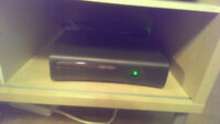 XBOX 360 ELITE (120 gb + 2 Controllers + Turtle Beach Headset)