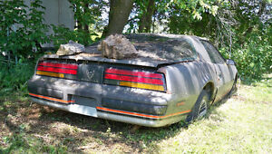 1987 Pontiac Firebird Coupe *PARTS - AS IS*