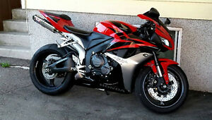 Honda CBR 600RR SHOWROOM 5200$ négo