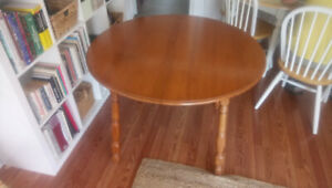 Maple dining/kitchen table